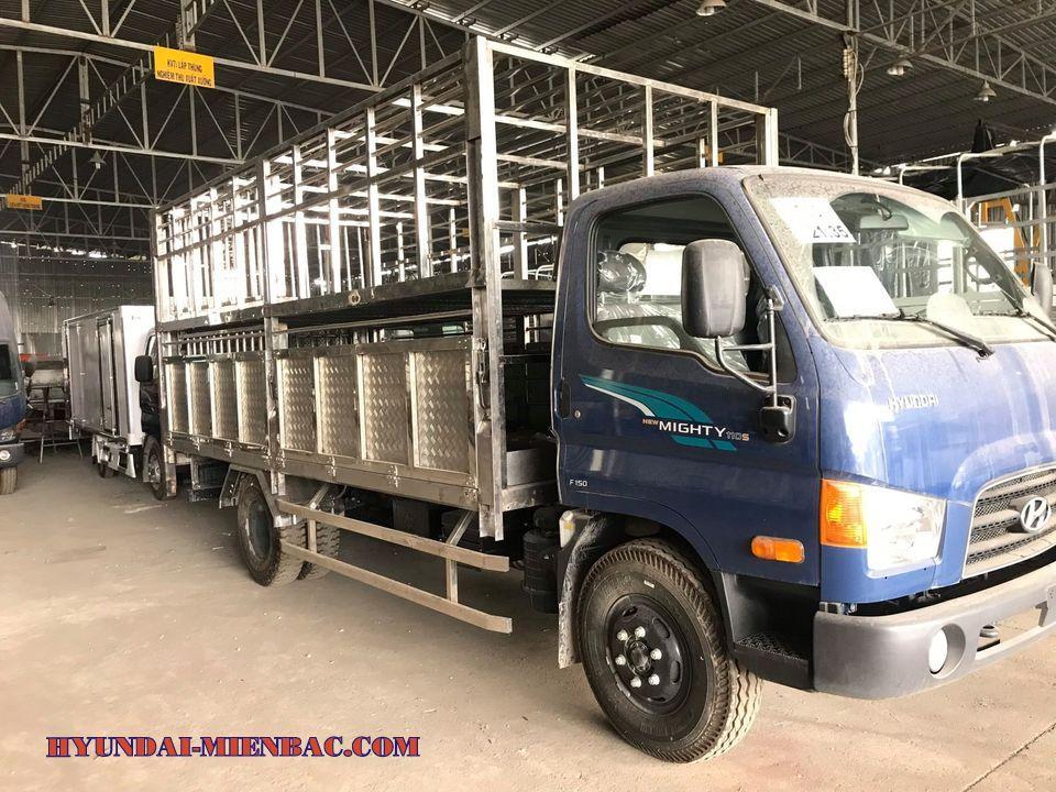 Hyundai 110Sp chở gia súc